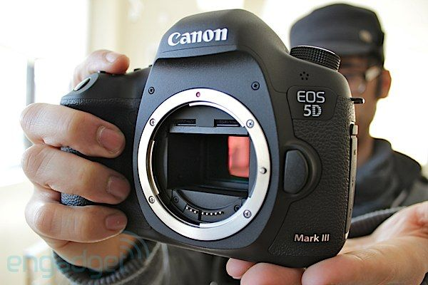 Canon Announces Eos 5d Mark Iii 22 3 Mp Full Frame Sensor 6 Fps 102 400 Max Iso 1080 30p Hd Yours For 3 500 Video Full Frame Sensor Best Street Photography Camera Photography Gear
