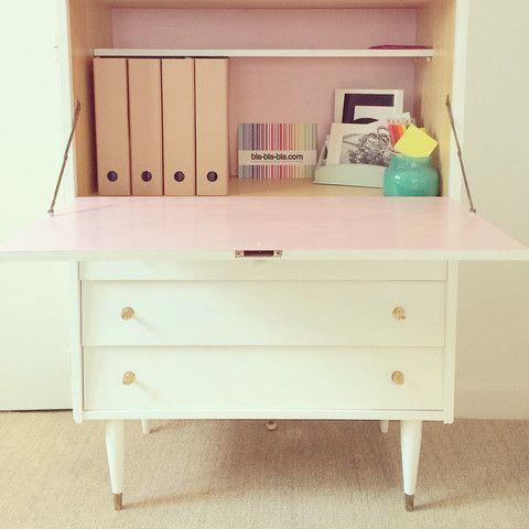 Secrétaire vintage en bois rénové et repeint en blanc et rose M - meuble en bois repeint
