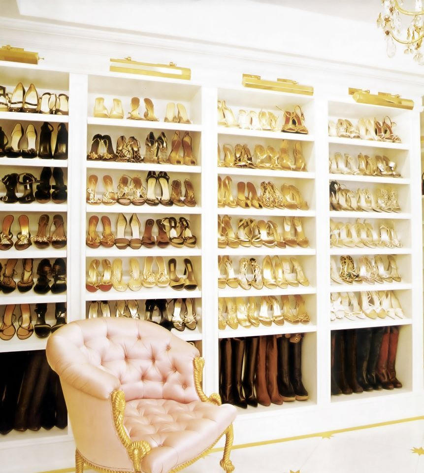 Luxurious Large Walk In Closet Design Idea with White Walk In Closet ...