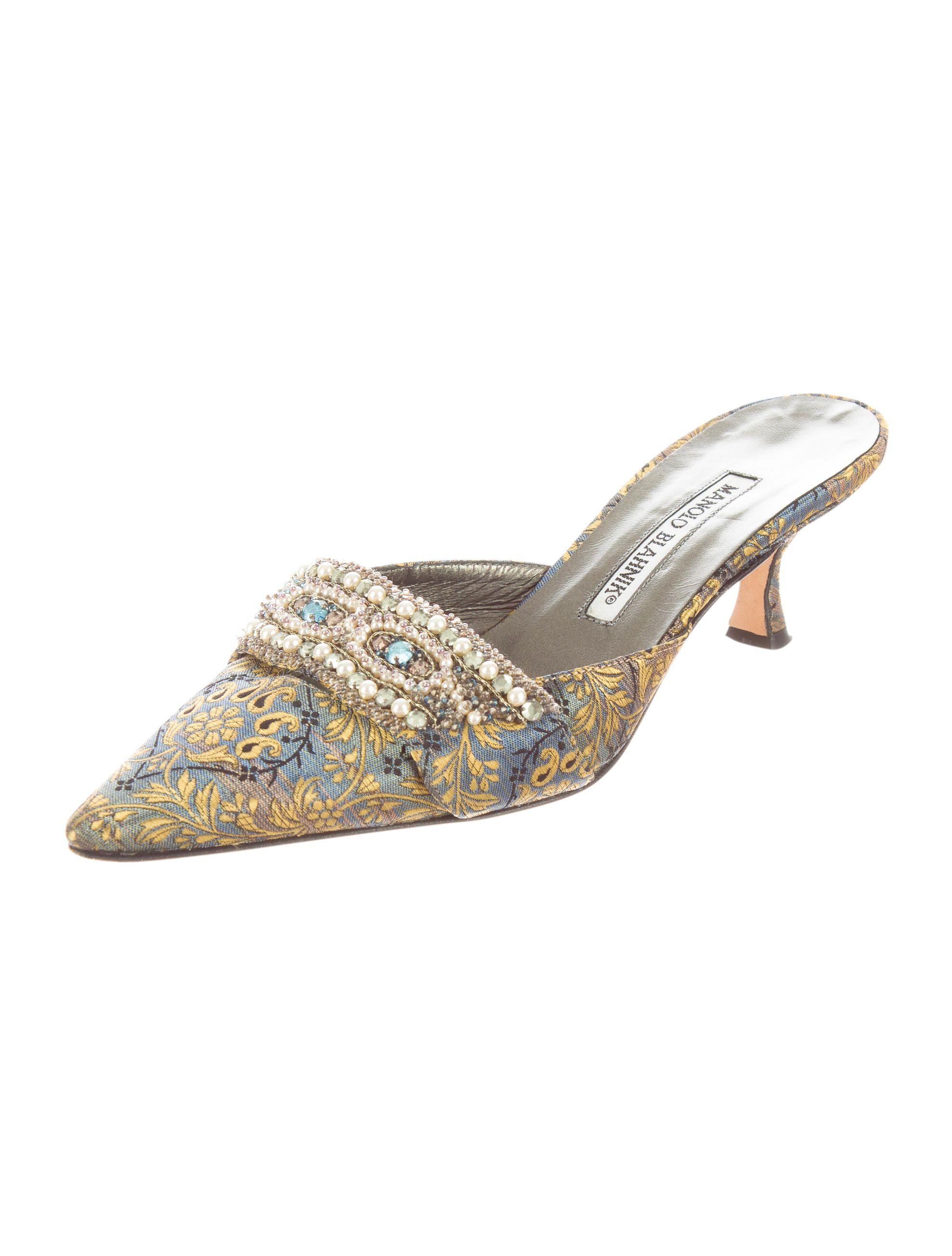 7112bdae8da ... low cost manolo blahnik kitten heel mules manolo blahnik heels sensible  shoes prada shoes heeled 0c096