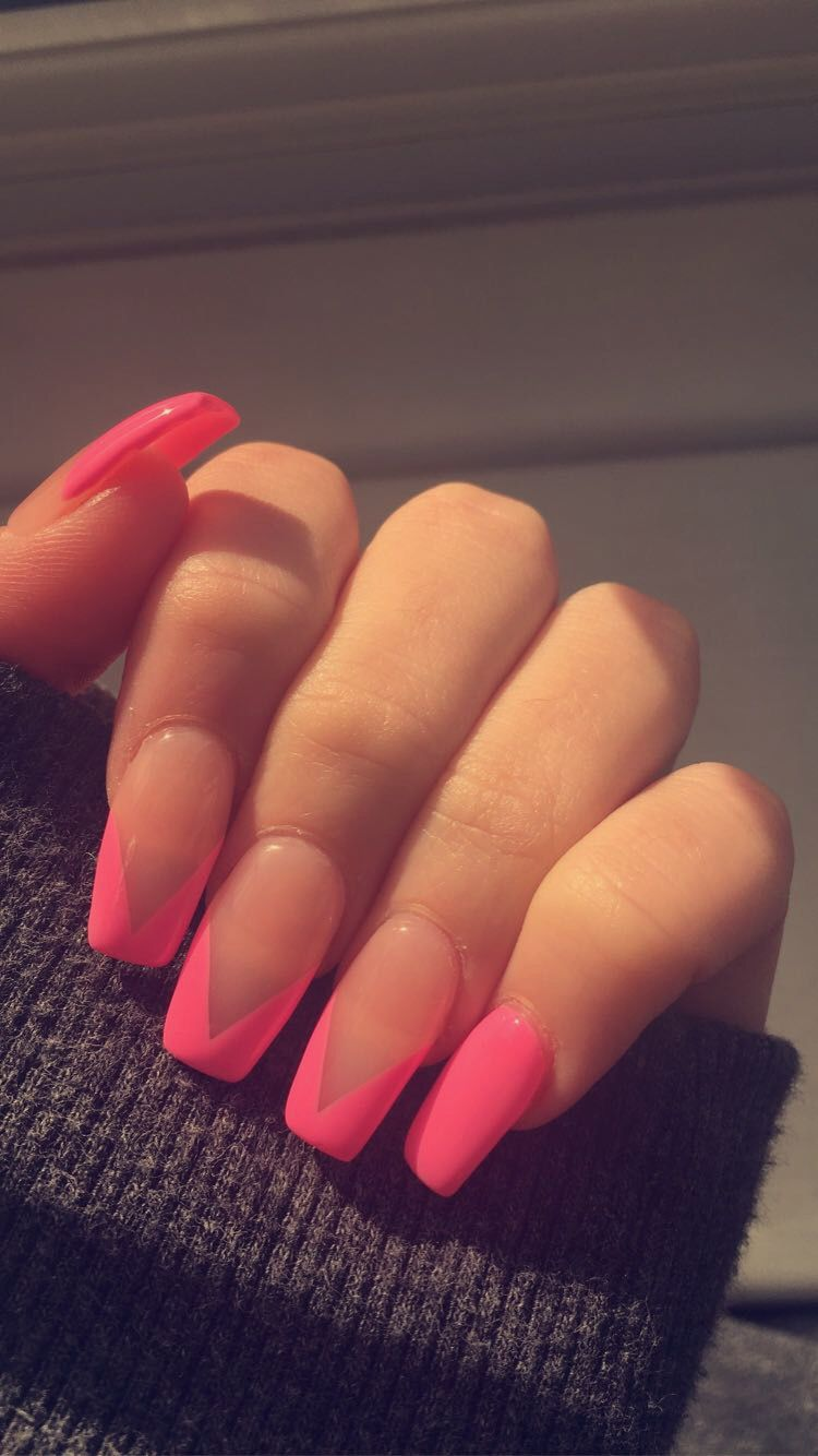 Pink V Acrylic Nail Design In 2020 Pink Acrylic Nails Acrylic Nail Designs Almond Acrylic Nails