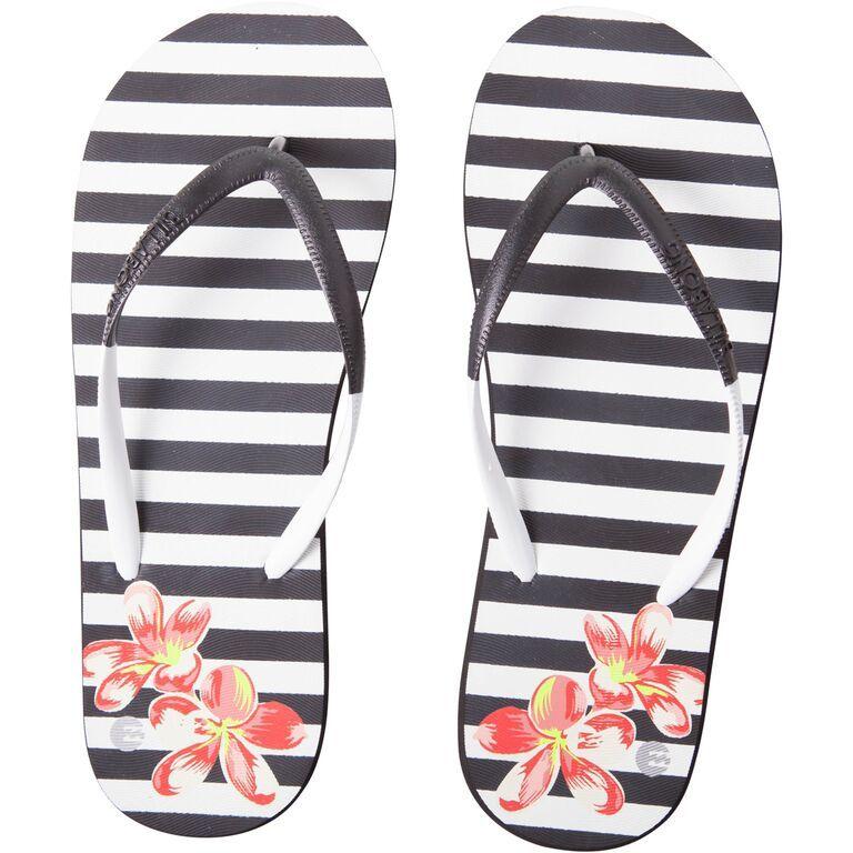 Vamos para a praia? http://shoecommittee.com/blog/2015/6/24/vamos-para-a-praia
