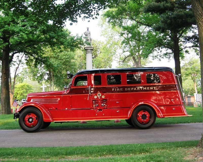 1937 Seagrave Safety Sedan Detroit Fire Department