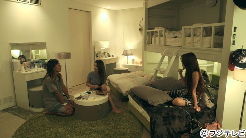 テラスハウス 意外と大胆なのね 深夜の女子部屋 モデルプレス