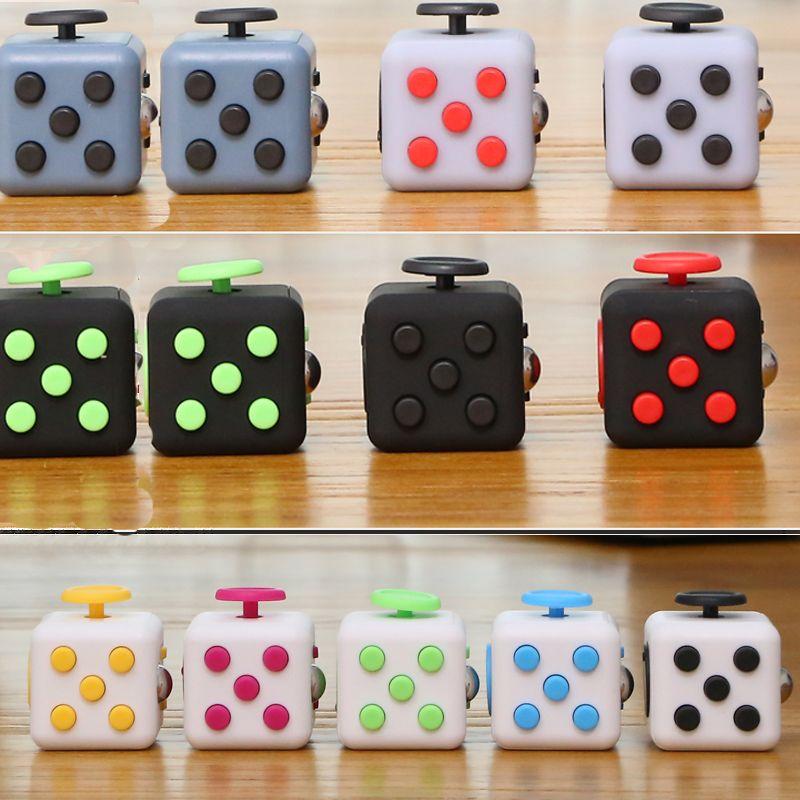 11パターンスクイズ楽しいストレス緩和剤ギフトフィジェットキューブ和らげ不安とストレスjuguetため大人fidgetcubeデスクスピンおもちゃ