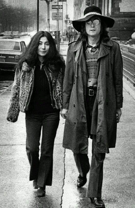 These two kids ❤ (sweet photo of Yoko and John)