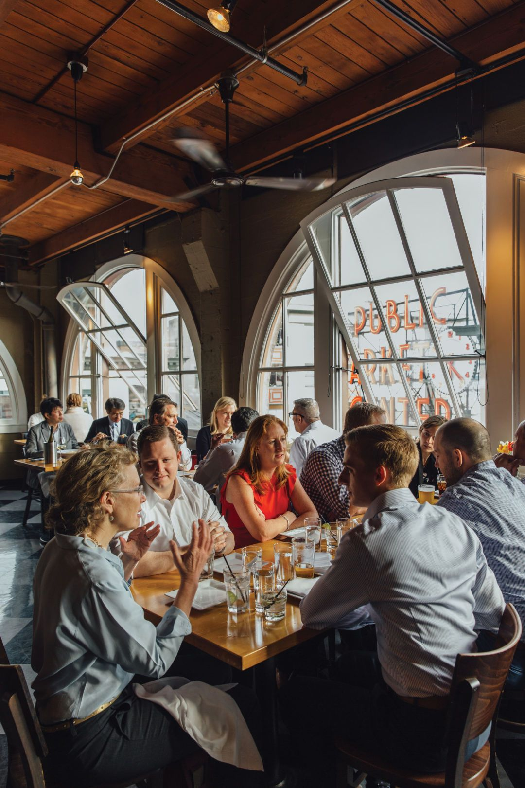 Don T Wait To Dine At These 12 Clic Seattle Restaurants Met