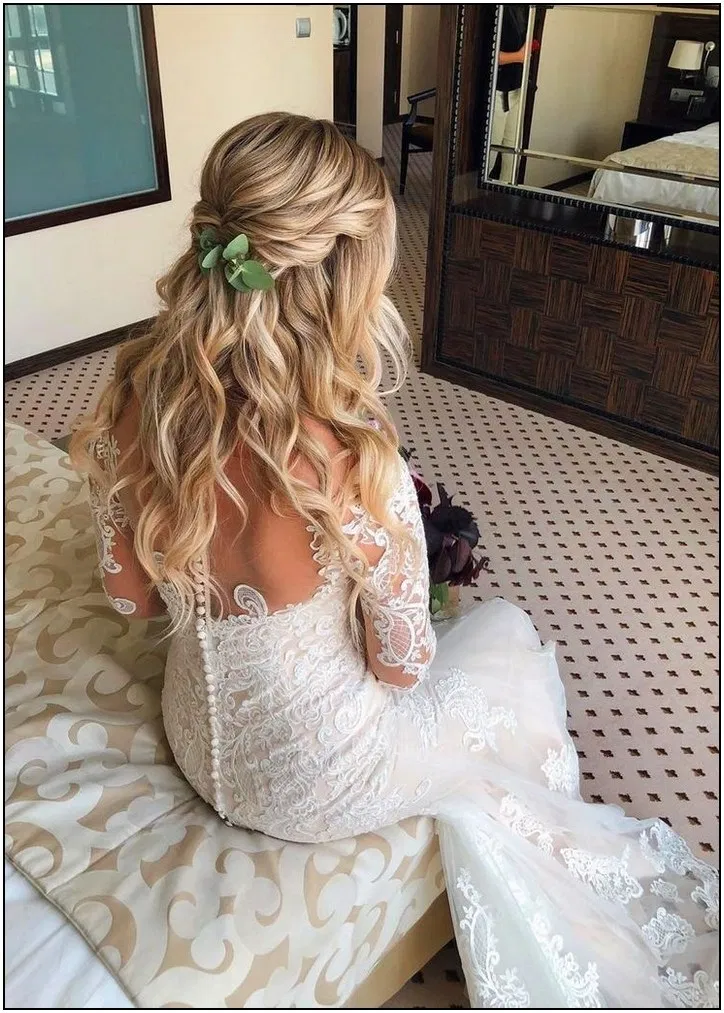 154+ gorgeous half up half down hairstyles that perfect for a rustic w