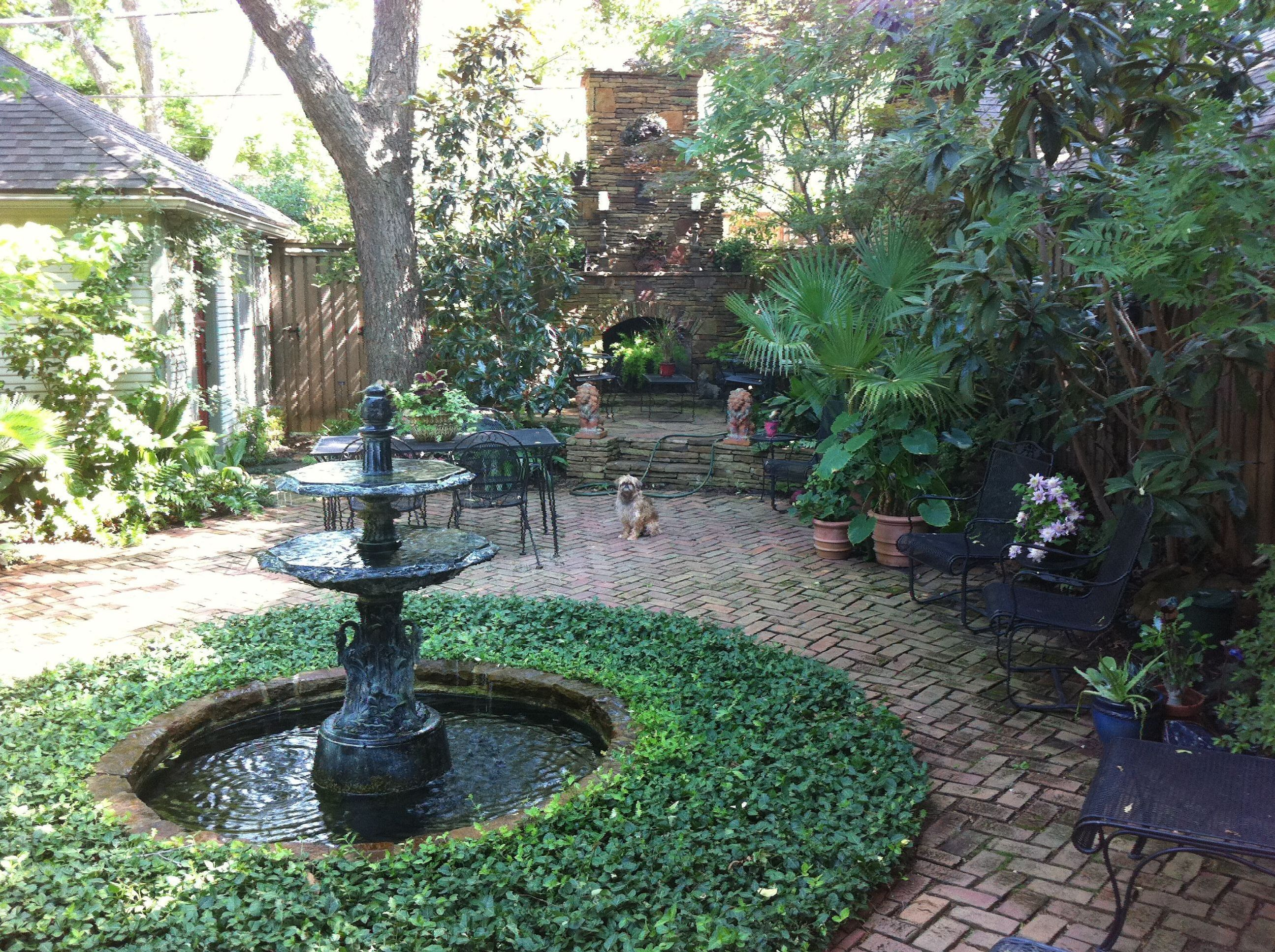 16 Best Garden Design Ideas To Make The Best Of Your Outdoor Space Courtyard Landscaping Garden Fountains Courtyard Garden