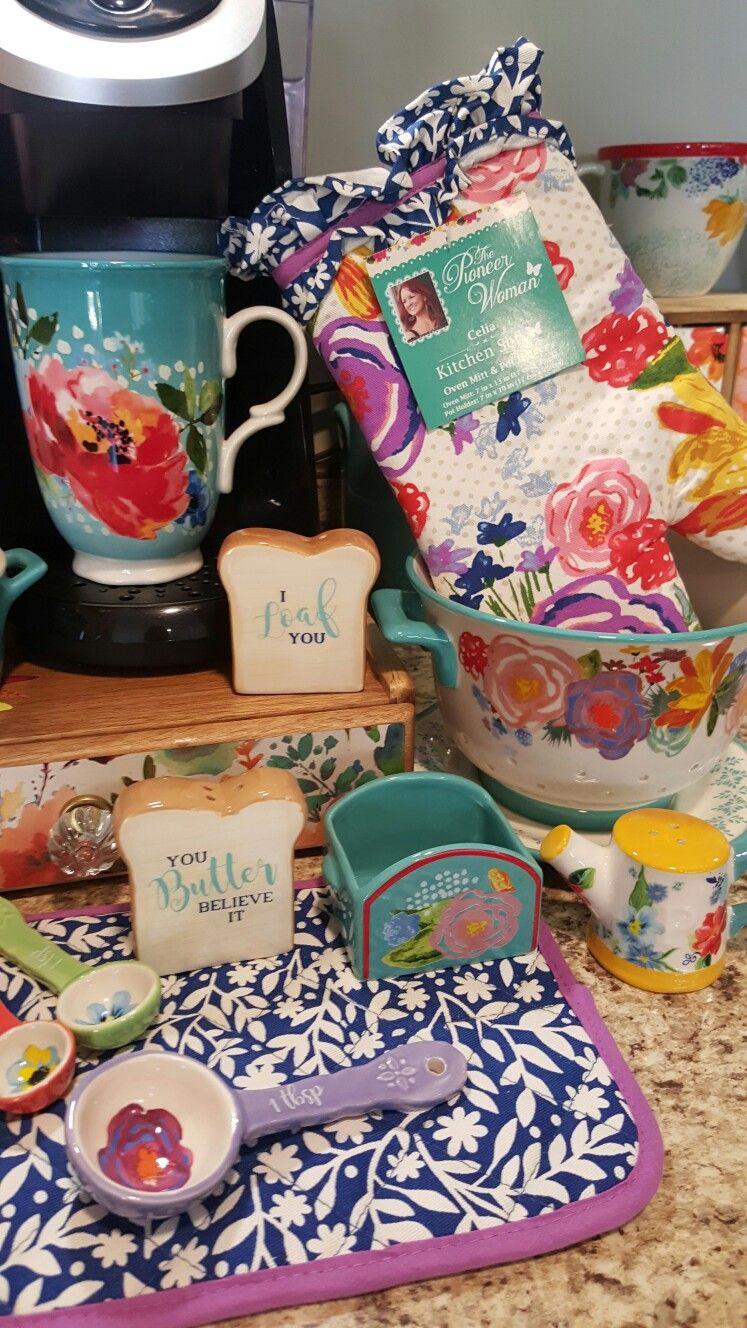 Love that pop of purple | Pioneer woman kitchen decor ...