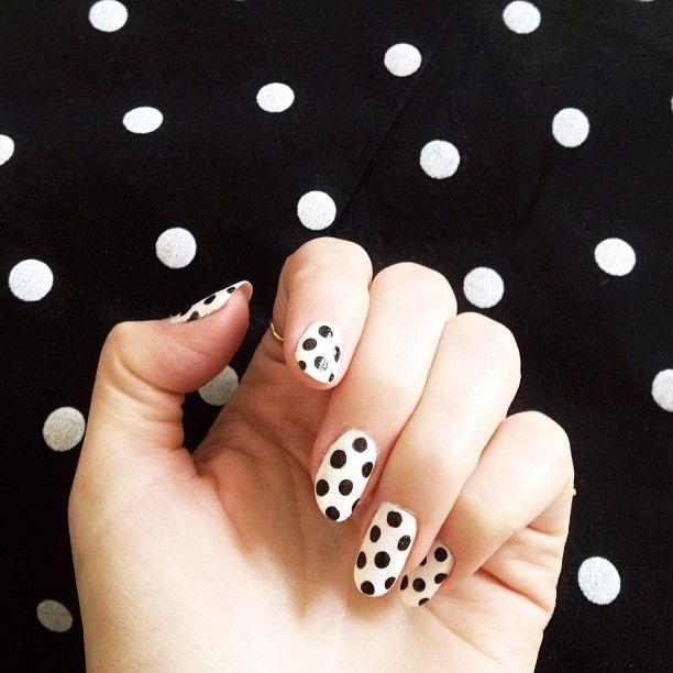Amazing black & white polka dot nails from The Cherry Blossom Girl Alix.