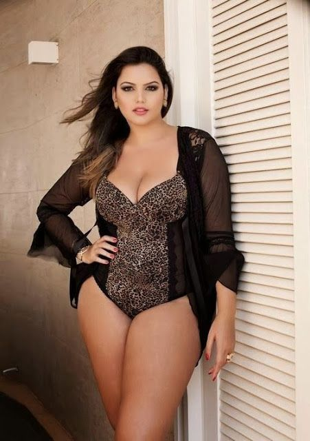 pretty plus size swimsuit model | the curved | pinterest