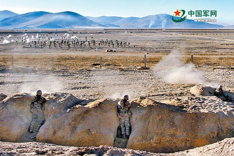 PLA drill in Xinjiang