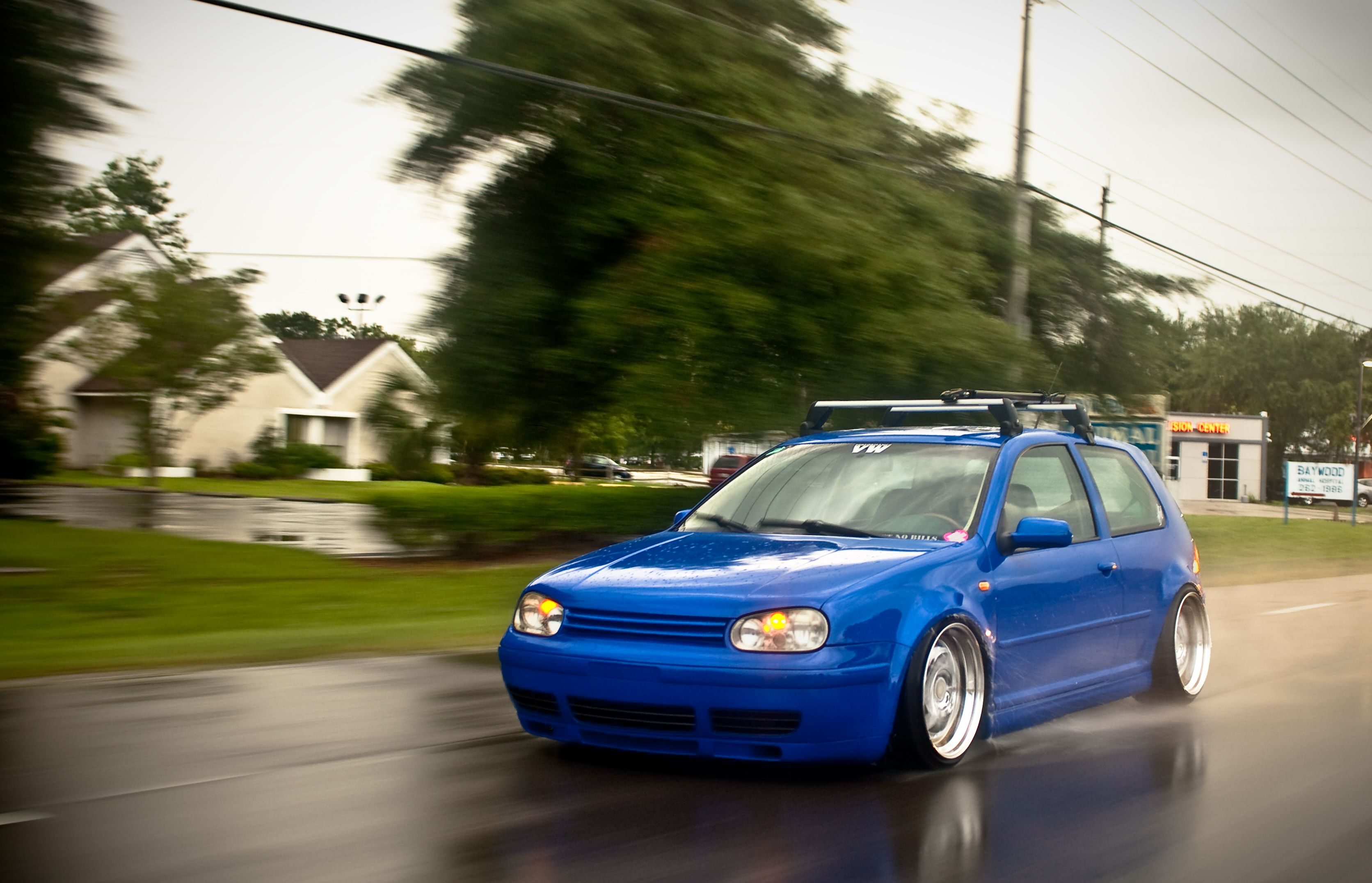 Low Dubs Blue Vw Golf Mk4 With A Roof Rack Vag Addicted Vw