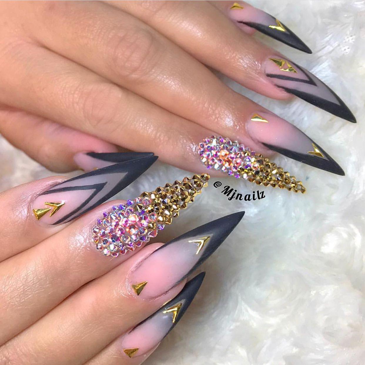 Bomb Stiletto Bling Nails Pointy Nail Designs Pointy Nails Pointed Nails