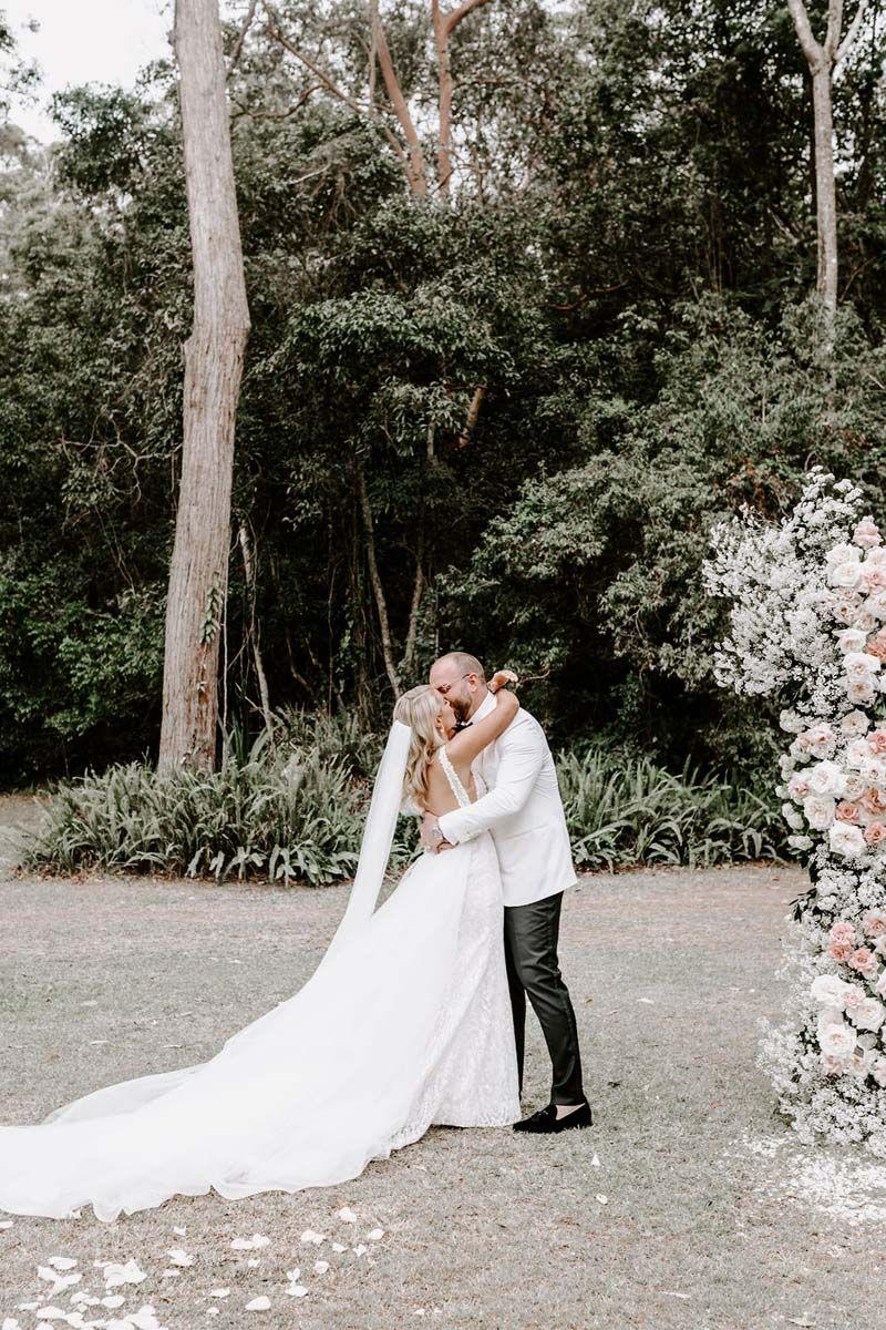Photographer Bianca Virtue Dress One Day Bridal Flowers