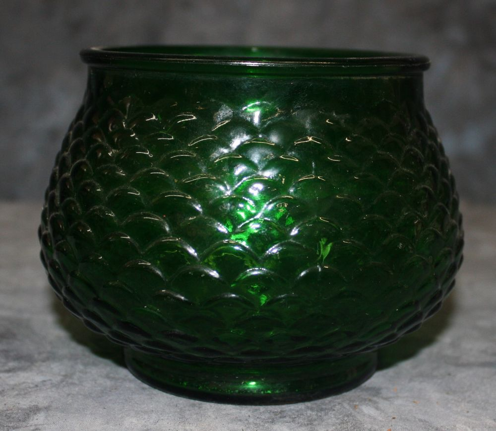 Vintage emerald green glass vase eo brody co cleveland o usa vintage emerald green glass vase eo brody co cleveland o usa 0010 reviewsmspy