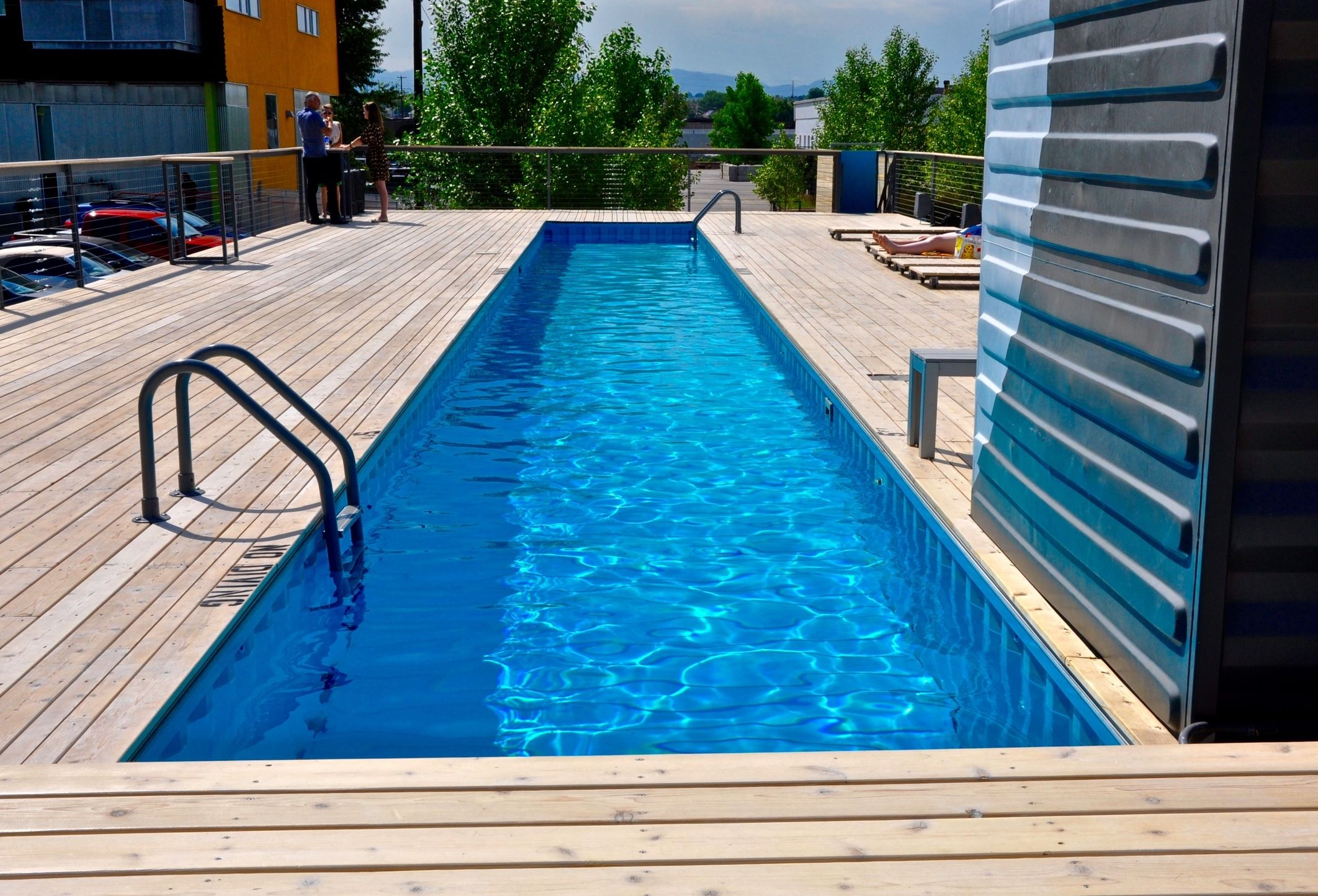 Converting a shipping container into a swimming pool seems - Building a swimming pool yourself ...