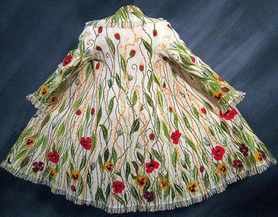 FLORAL WOLLMANTEL weiß verziert böhmischen gefilzt Kunst zum tragen Größe L sofort lieferbar #wearableart