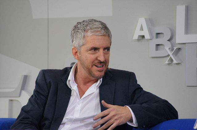 Anthony Mccarten Auf Dem Blauen Sofa Mccarten Anthony Pinterest