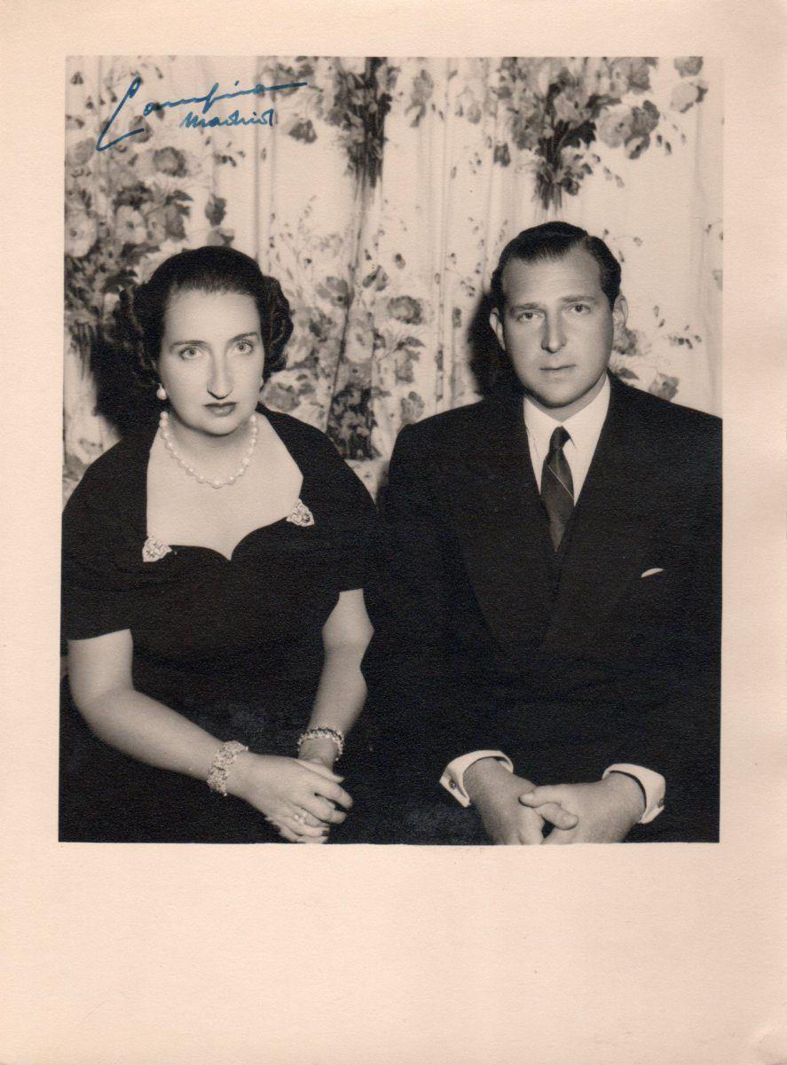 Positivado de época con firma original de Campúa de Don Juan de Borbón con su esposa, María de las Mercedes de Borbón-Dos Sicilias y Orleans