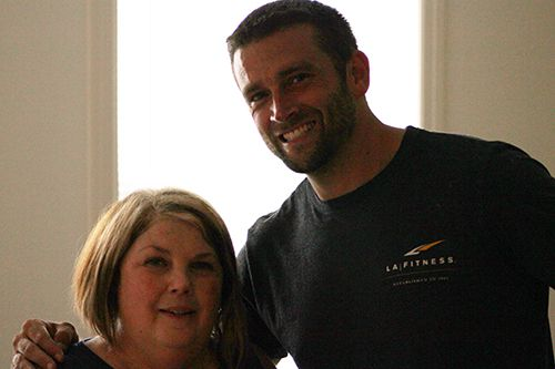 Pittsburgh real estate agent doubles as mover for military widow