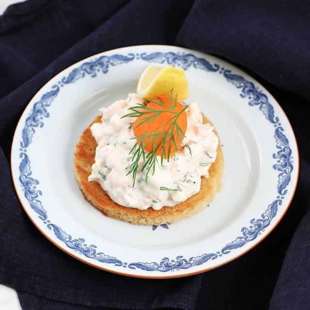 """Köket.se on Instagram: """"Förrättstips till kvällens nyårsmeny: Toast skagen har aldrig lämnat någon besviken! ️ @tommymyllymaki's recept hittar du i profilen �…"""""""