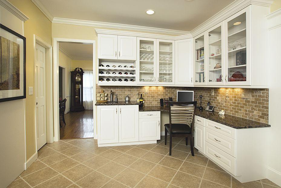 kitchen bar with corner desks | Kitchen Desk Cabinets ...
