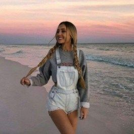 75+ Fashionable Summer Outfits Ideas For 2019    #outfits #outfitoftheday#outfitideas #outfitsfashion #outfit#floral #red #fashion #woman #womensfashion #womens # summer Outfits
