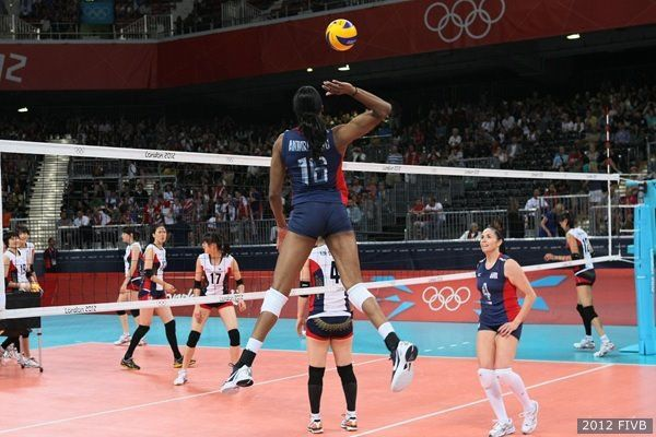 Spike Team Usa Women S Volleyball Women Volleyball Volleyball Team Usa
