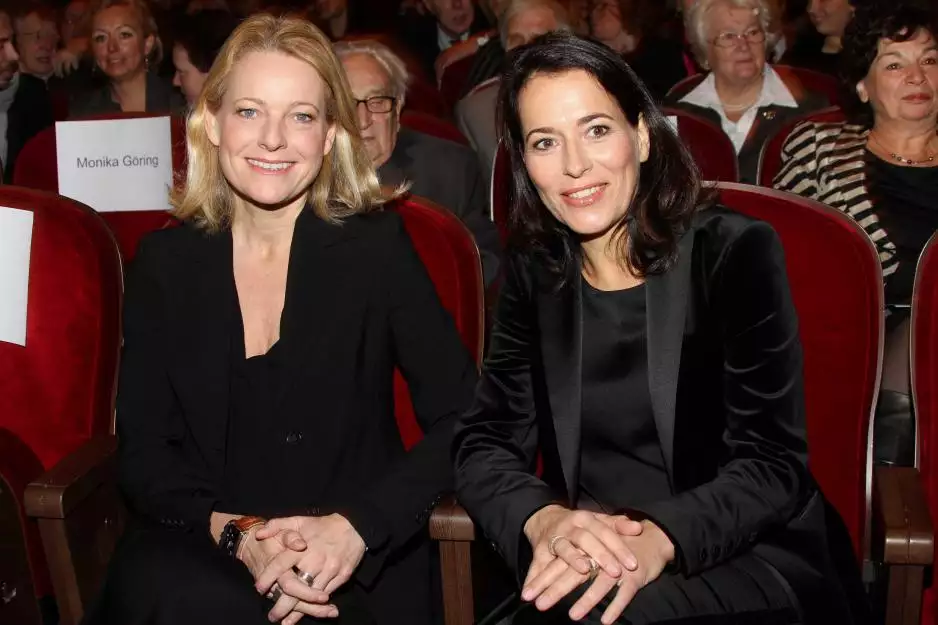 Kronung Einer Grossen Liebe Anne Will Und Miriam Meckel Haben Geheiratet Anne Will Heiraten Interview