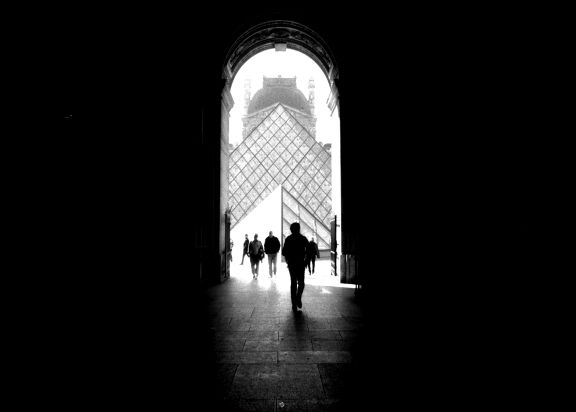 Taken by ghuido with a canon ae 1 loaded with kodak tmax 100 iso black and white film film in paris france