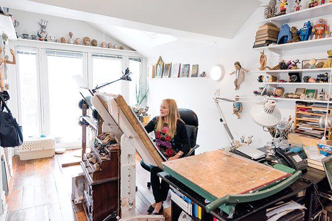 Anita Kunz in her studio - Applied Arts Mag