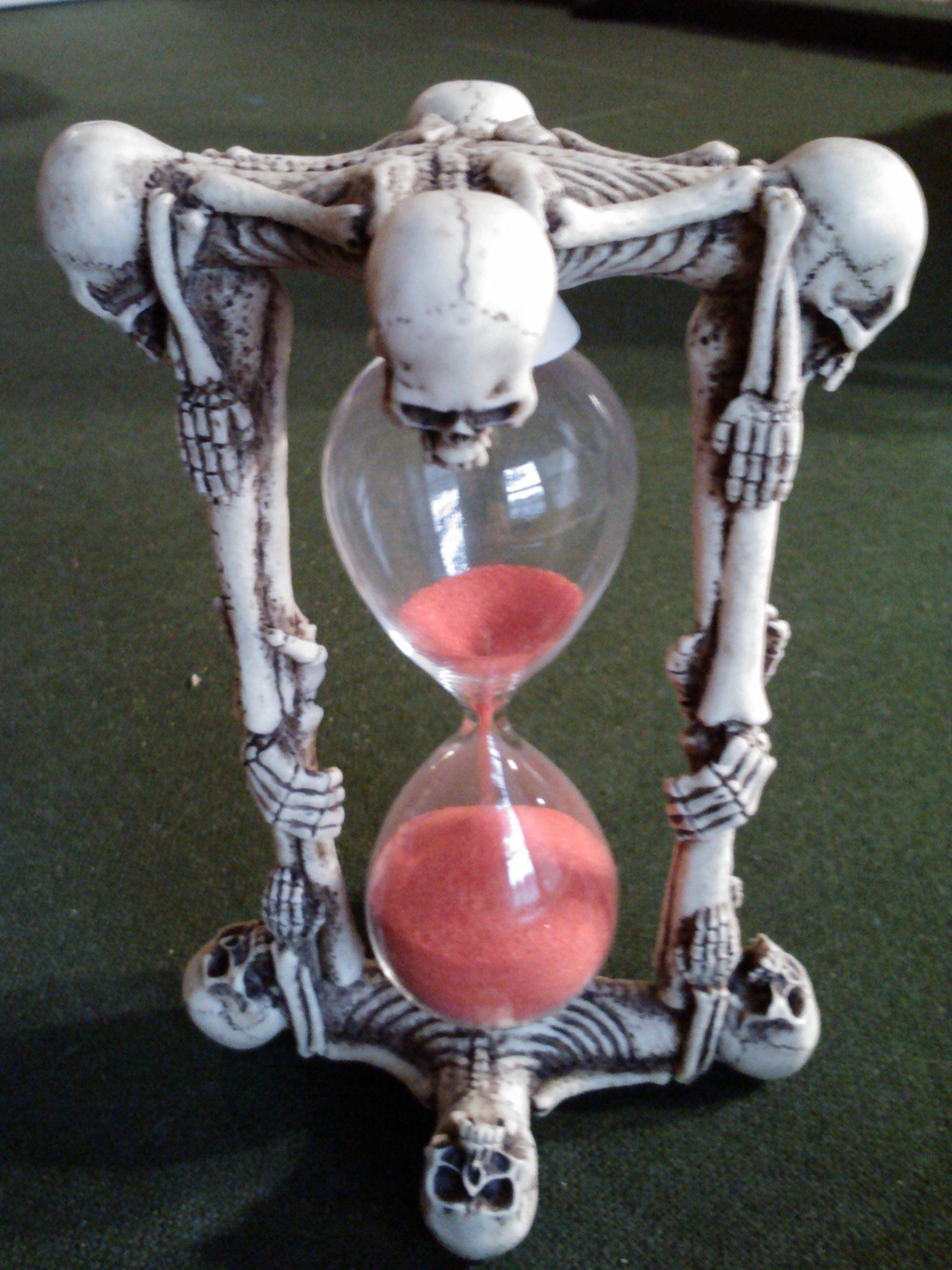 Hourglass w/Skeleton Design