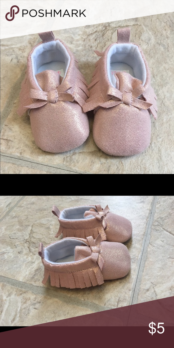 NWOT Baby moccasins. Baby moccasins, never worn. Size 6-9 Months. Super cute! Shoes Baby & Walker