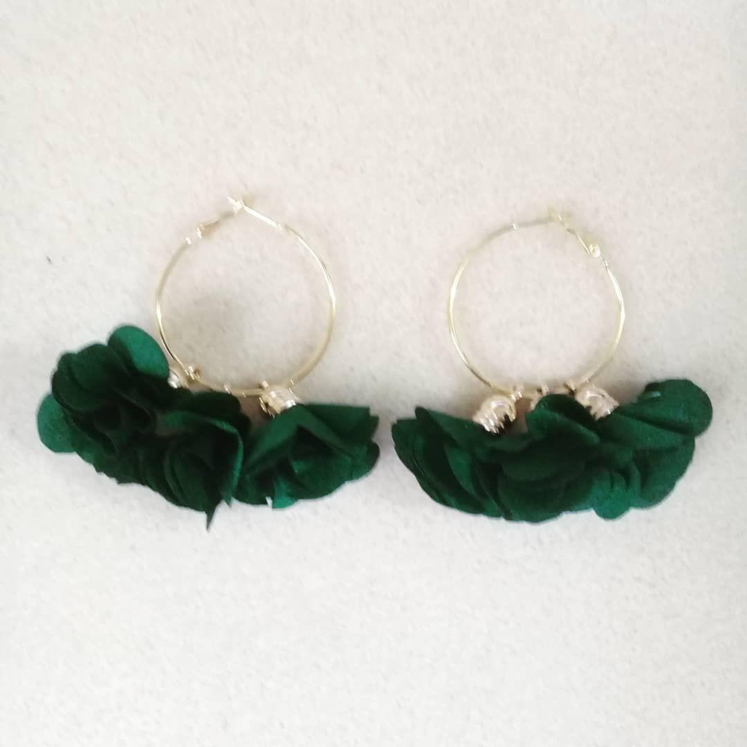 fe8980174699  aretes  borla  seda  candongas  golfi  verde  moda  belleza  accesorios   joyas  bisuteria  queregalar. Envíos a toda Colombia. Escriba a…