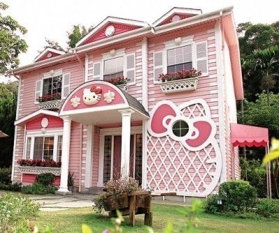 Hello Kitty House!!!! would be ADORABLE as a mini Missy Leann condo ;)