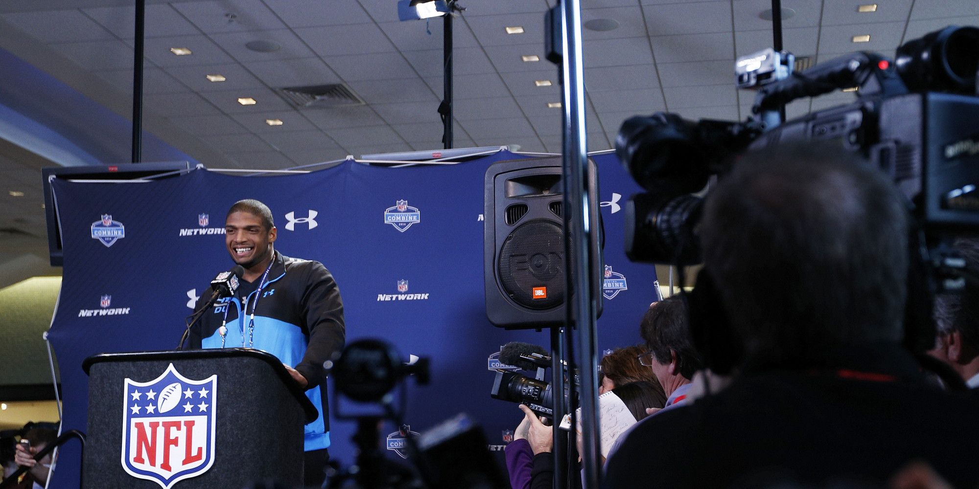 Michael Sam made two things abundantly clear in his first media appearance since coming out as gay: He can handle the spotlight and he is ready to focus on football.   The first-team All-American defensive lineman from the University of Missouri fi...