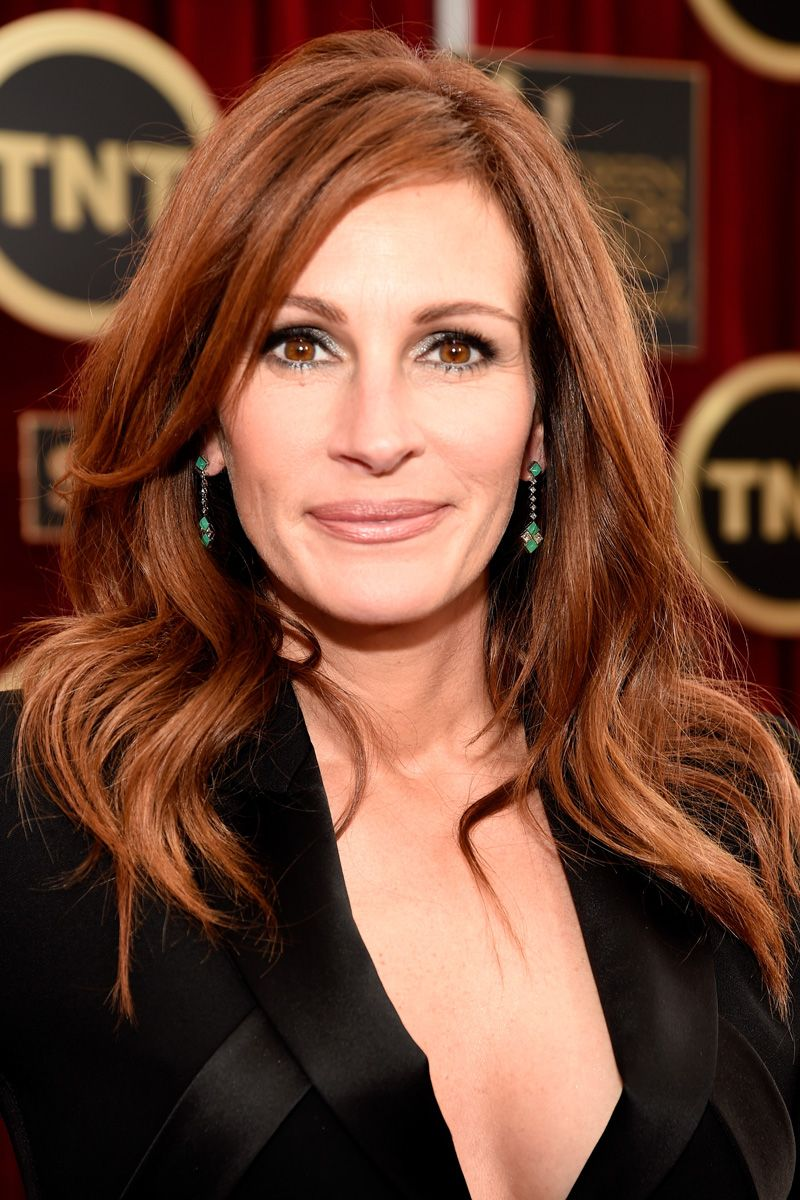 20 Celebs Over Age 40 Who Prove Long Hair Has No Age Limit Hair Styles Long Hair Styles Hair Color Auburn