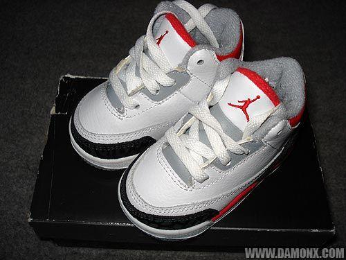chaussures air jordan bebe