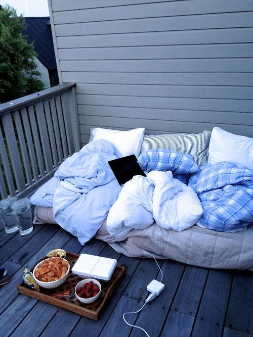 cozy balcony in 2020 | Summer goals, Summer plans, Cute ...