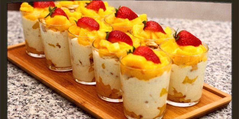 في ظل الجو الحار الذي يخيم على أجواء فصل الصيف لا يمكن أن يشفي غليل الفرد سوى تناول المثلجات و الحلوى الخفيفة لكن هذه الحلو Ramadan Desserts Arabic Food Food