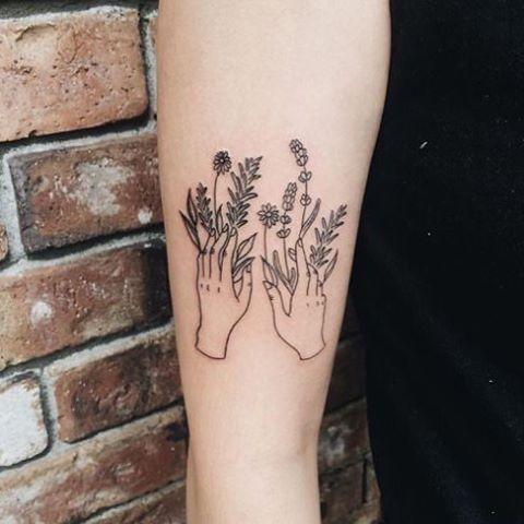 New post on www.tattoologist.com // Hands #tattoo #tattoologist #tattoologistofficial