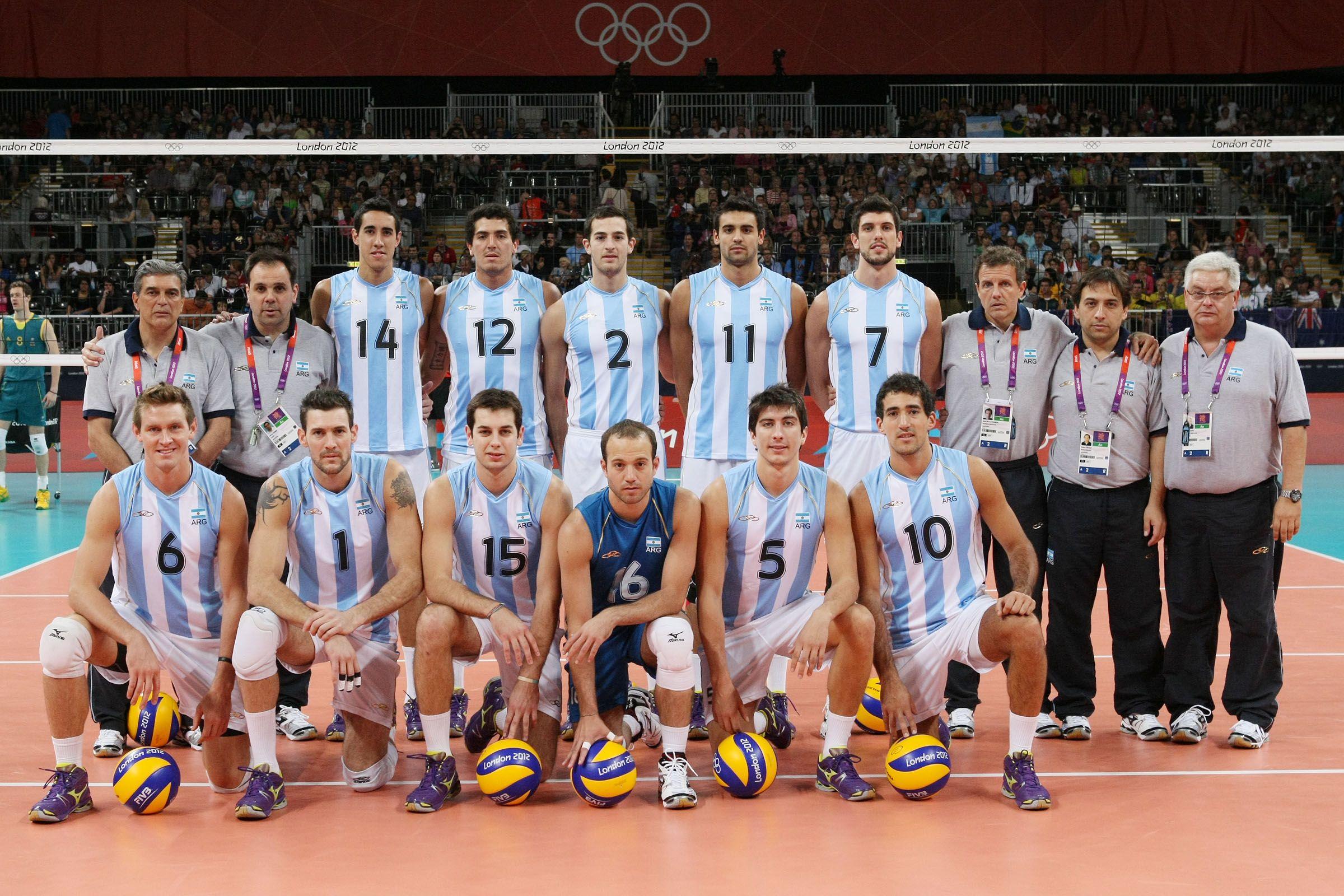 Estos Jugadores Son En El Equipo De Voleibol De Argentina Olympic Volleyball Volleyball Team Volleyball