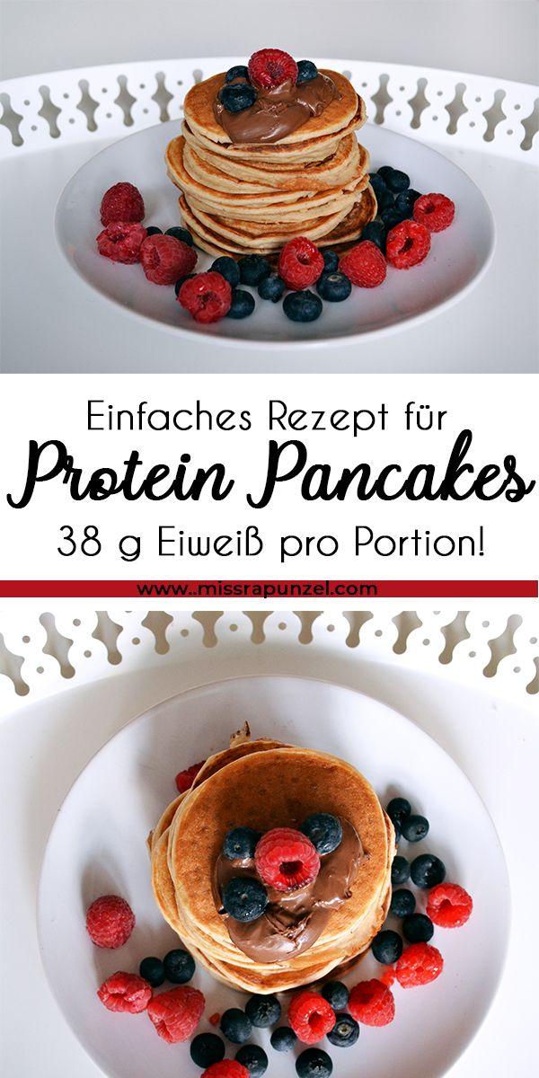 Protein Pancakes sind lecker und eiweißreich - und sie machen sich perfekt auf deinem Frühstückstisch. Wie du sie zubereitest, erfährst du hier. #pancakecasserole