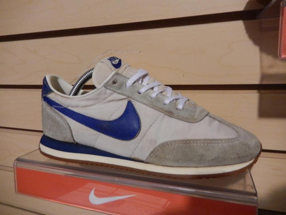 Vintage 1982 Nike Oceania Running Shoes Swoosh Soles size 7 Suede Nylon Blue