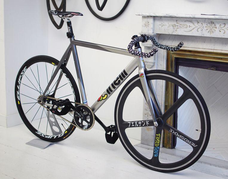 Impressive Cinelli Mash Bolt Fixed Gear Bike Fahrrad Design Fahrrad