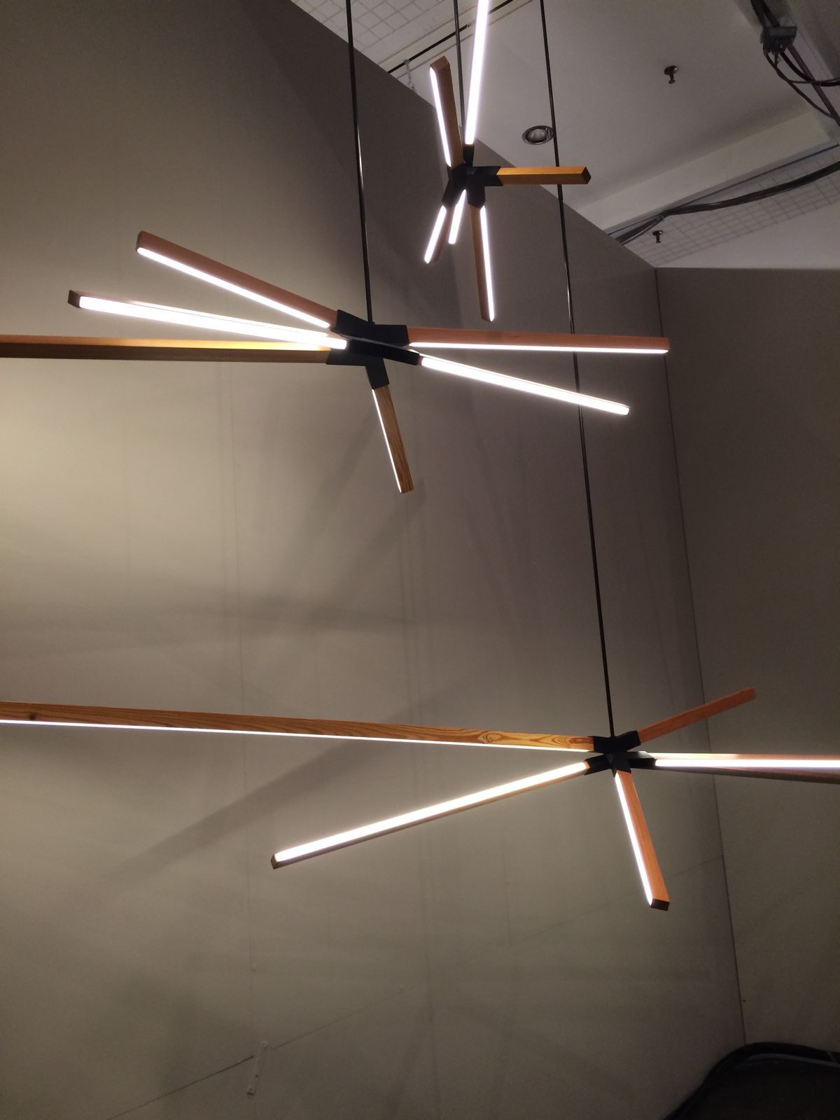 Designers Go Linear At Icff With Led Stick Bulbs Led Stick Lounge Lighting Interior Lighting