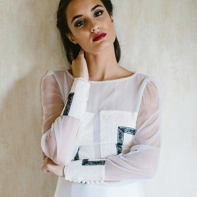 Novias con un toque negro [ Link en Bio ] 📸 @crisdiazfoto #disoñandobodas #disoñando #bodas #novias #bride #wedding #weddingblog #novias2017 #noviasmodernas #style #estilo #fashion #loveit #love #negro #labiosrojos