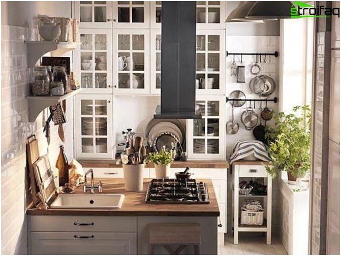 Piano cucina di 10 mq con balcone | arredamento nel 2019 | Cucine ...
